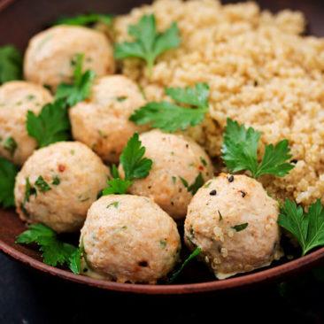 bolitas_saludables_con_arroz_quinoa_y_atun